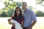 Принцу Джорджу устроили первую официальную фотосессию