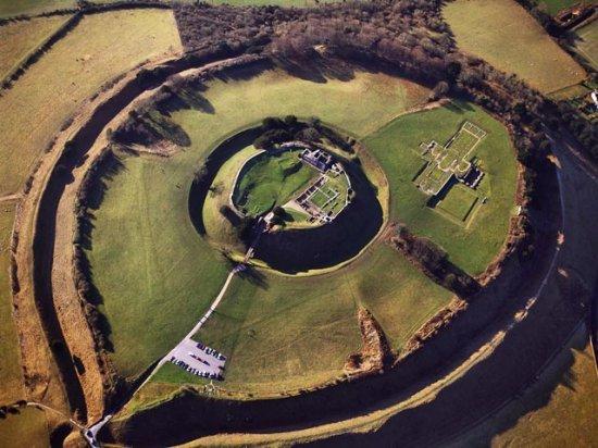 Английские археологи составили карту древнего города и обнаружили гигантский замок короля