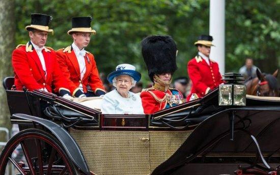 Стоимость имущества Елизаветы II взлетела до рекордного уровня