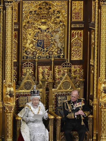 У Елизаветы II не было ни малейшего шанса взойти на престол, но правит она Великобританией уже 65 лет