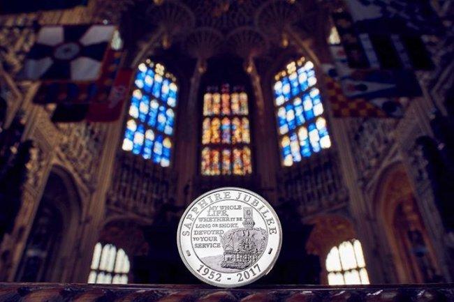 В Британии к 65-летию правления королевы выпустят серию коллекционных монет