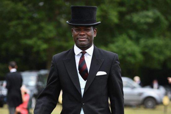 Историческое событие: адъютантом английской королевы станет темнокожий