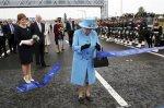 Елизавета II торжественно открыла самый высокий мост в Великобритании