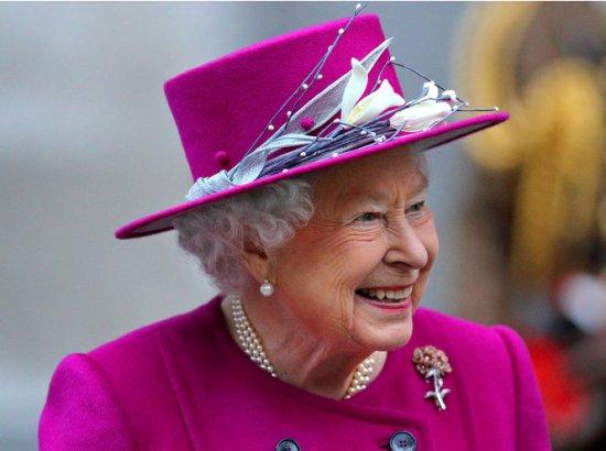 Шутки Ее Величества: Елизавета II знает толк в черном юморе