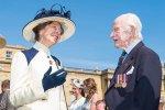 Дочь королевы Елизаветы II заметили в пиджаке сорокалетней давности