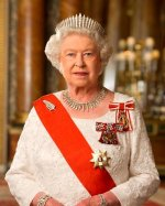 Елизавета II заставила Меган Маркл обучиться этикету